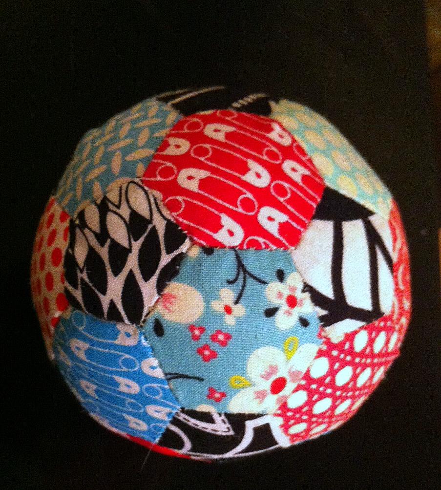 Paper-pieced hexagon pincushion ball