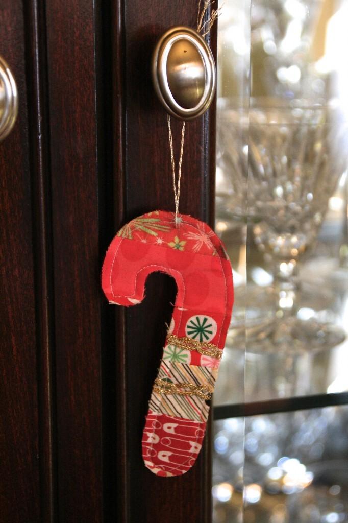 DIY Fabric candy cane ornament