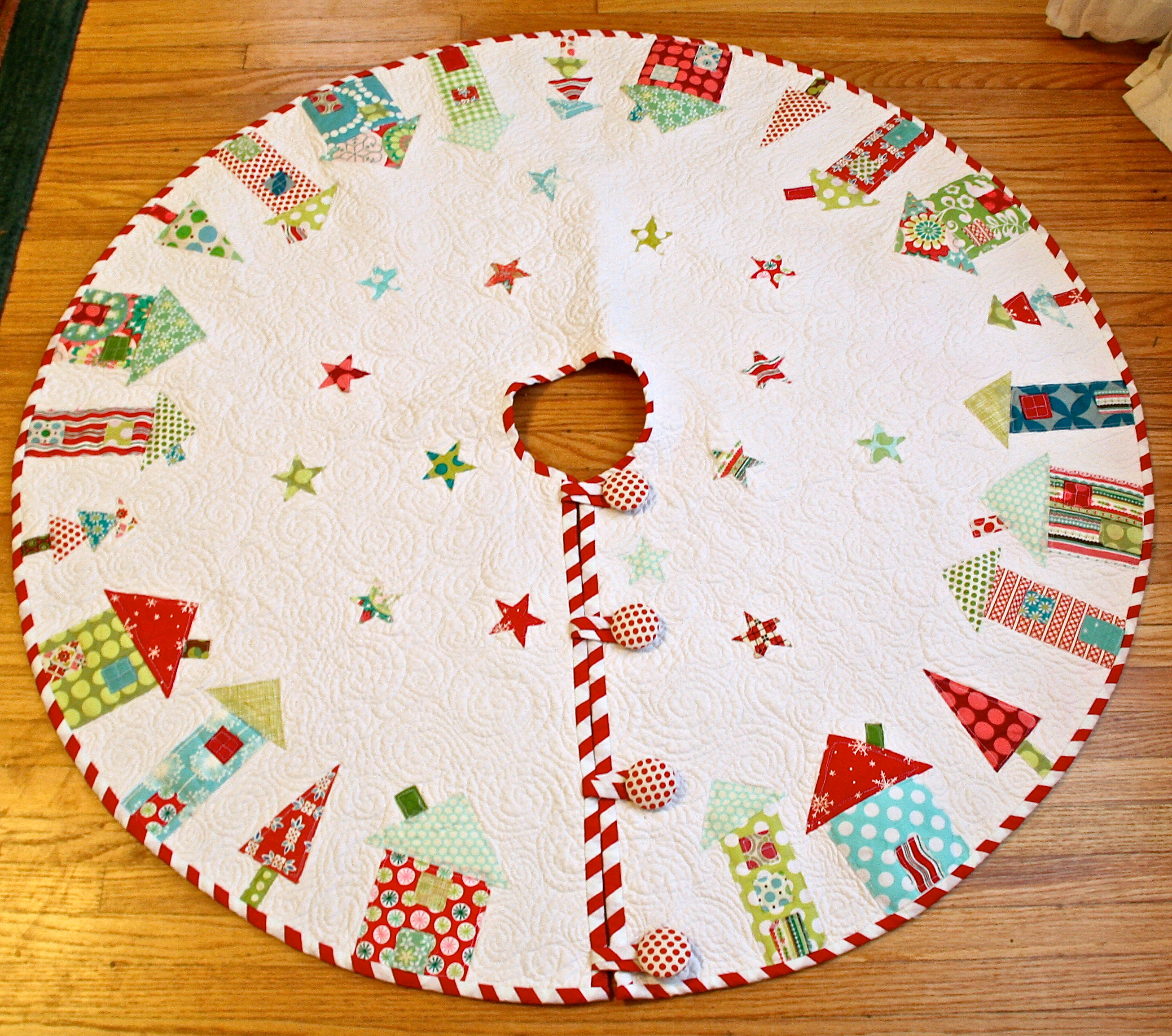 TGIFF- The One Where I Actually Finish the Tree Skirt.