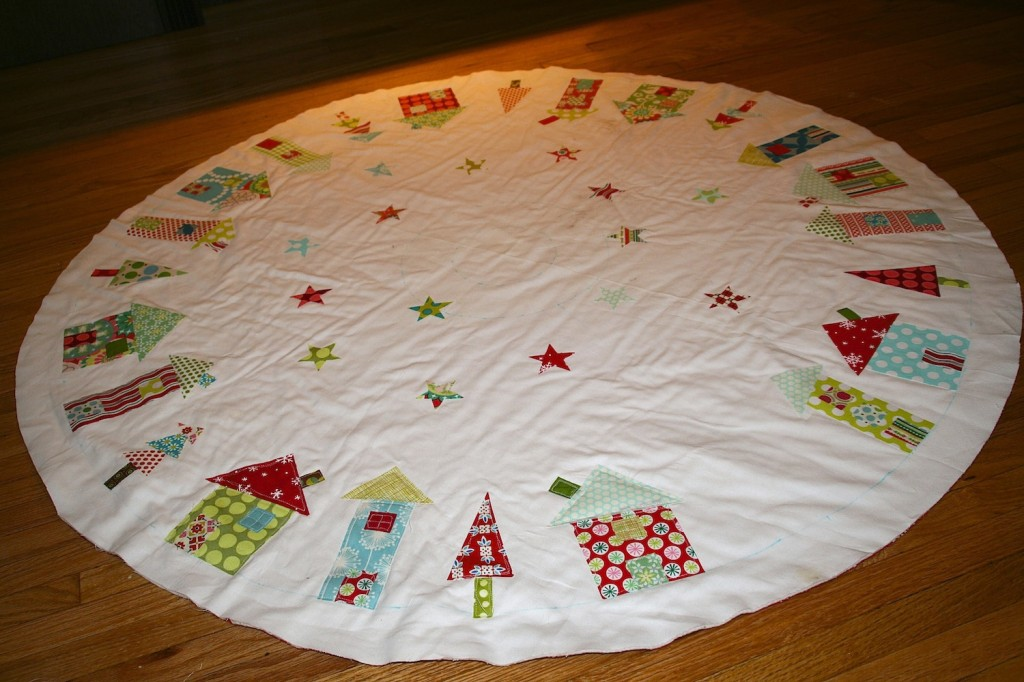 quilted tree skirt from Fat Quarterly