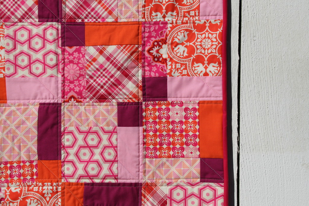 Disappearing 9-patch modern baby quilt pattern, an easy first quilt